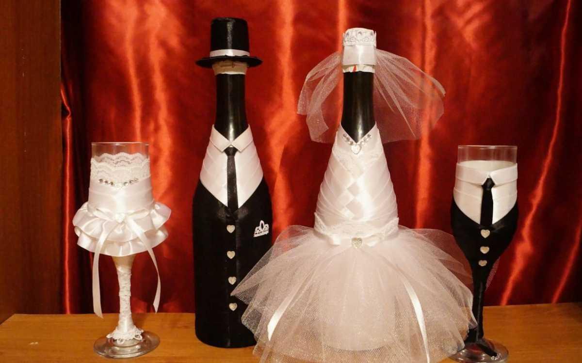 oformlenie-svadebnyh-butylok-5 Профессиональное оформление свадебных бутылок фото подборка самых удачных вариантов