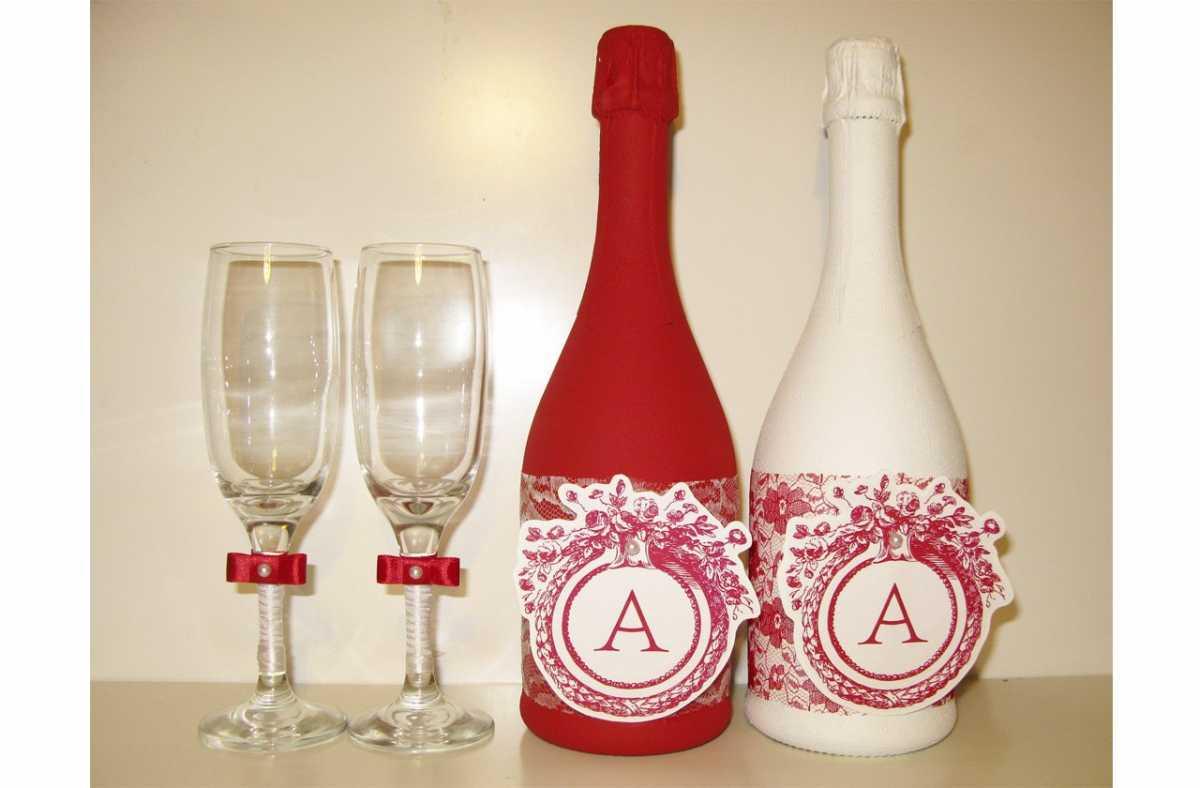 oformlenie-svadebnyh-butylok-8 Профессиональное оформление свадебных бутылок фото подборка самых удачных вариантов