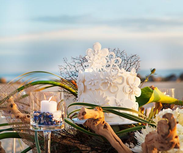 Красивая свадьба на берегу океана в пляжной тематике, идеи для организации торжества