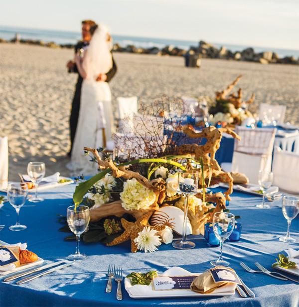 plyazhnaya-svadba-na-beregu-okeana-6 Красивая свадьба на берегу океана в пляжной тематике, идеи для организации торжества