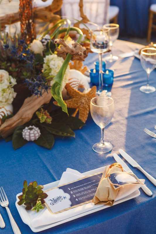 plyazhnaya-svadba-na-beregu-okeana-8 Красивая свадьба на берегу океана в пляжной тематике, идеи для организации торжества