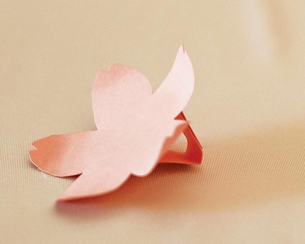 sakura-iz-bumagi-svoimi-rukami-10 Цветы сакуры своими руками для декора тематической свадьбы или девичника