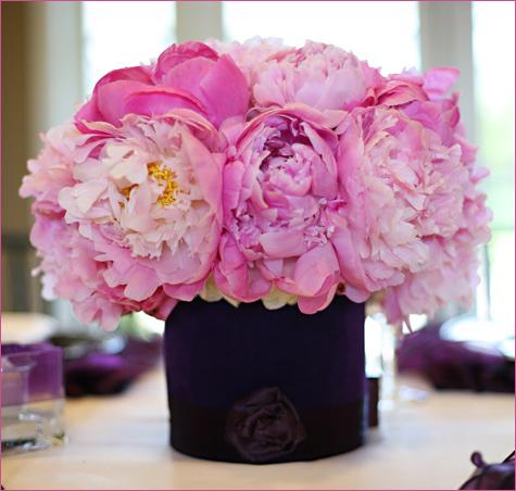 servirovka-stola-v-stile-shanel-4 Сервировка свадебного стола в стиле Шанель - простой способ сделать торжество изысканным и стильным