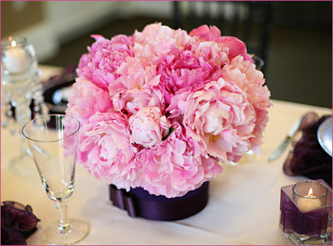 servirovka-stola-v-stile-shanel-5 Сервировка свадебного стола в стиле Шанель - простой способ сделать торжество изысканным и стильным