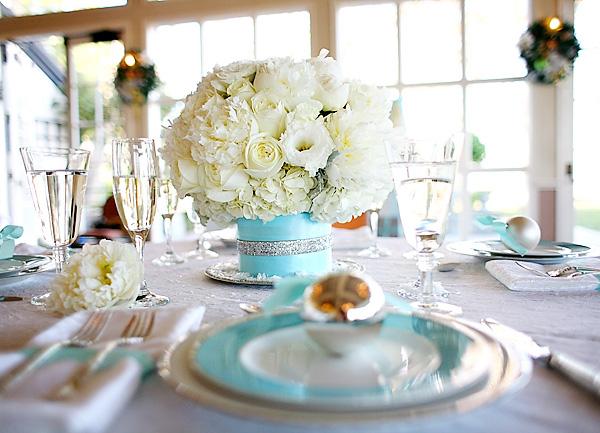servirvoka-stola-dlya-zimnej-svadby-3 Сервировка свадебного стола в холодной голубой палитре для зимнего торжества
