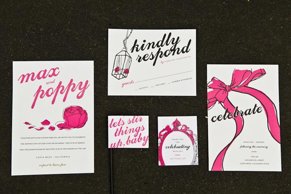 servirvoka-svadebnogo-stola-glemrok-3 Блестки и розовый цвет в сервировки свадебного стола на торжестве в стиле Глэм Рок