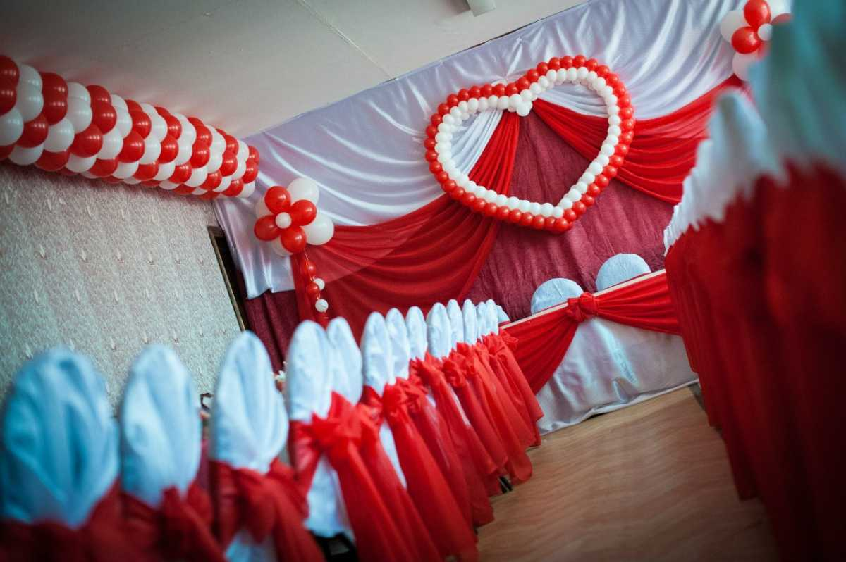 shary-na-svadbu-svoimi-rukami-10 Украшение из шаров на свадьбу своими руками, варианты использования воздушного декора