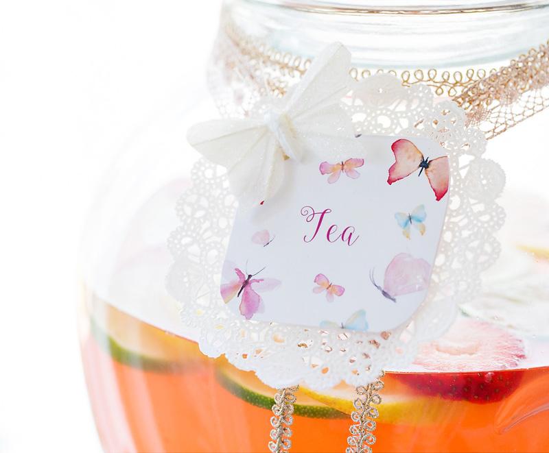 svadba-pastelnye-babochki-9 Пастельные оттенки на свадьбе летом, какую тематику торжества выбрать?