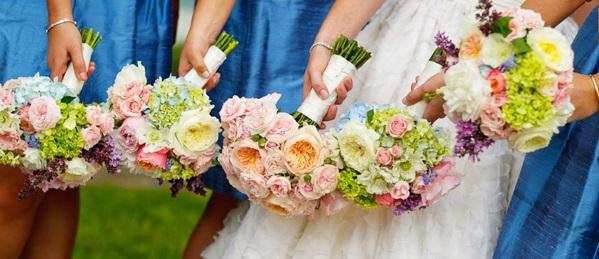 Правильная организация свадебной церемонии и банкетного зала в саду.