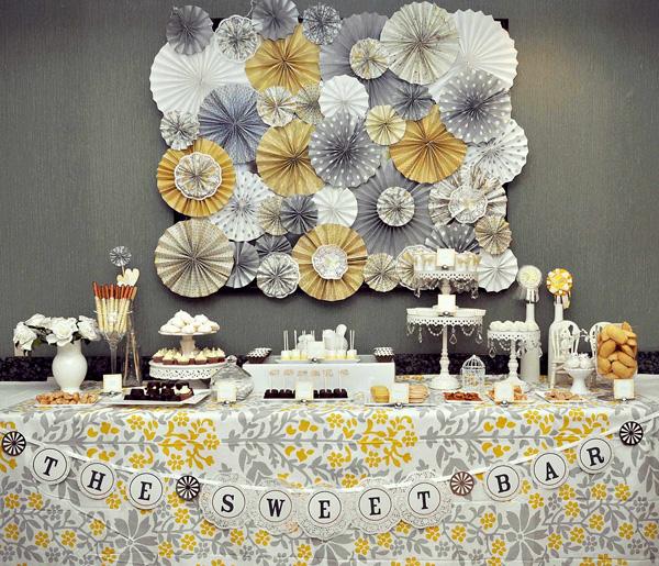 svadba-v-zhelto-serom-tsvete-3 Свадебный Кэнди Бар в желто-сером цвете сочетание яркости и строгости