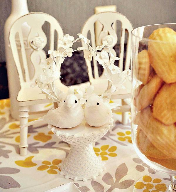 svadba-v-zhelto-serom-tsvete-7 Свадебный Кэнди Бар в желто-сером цвете сочетание яркости и строгости
