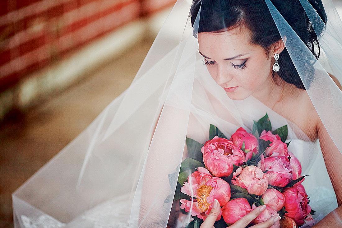 svadbav-tsvete-fuksiya-8 Свадьба в цвете фуксия, фото подборка наиболее интересных идей воплощения такого торжества