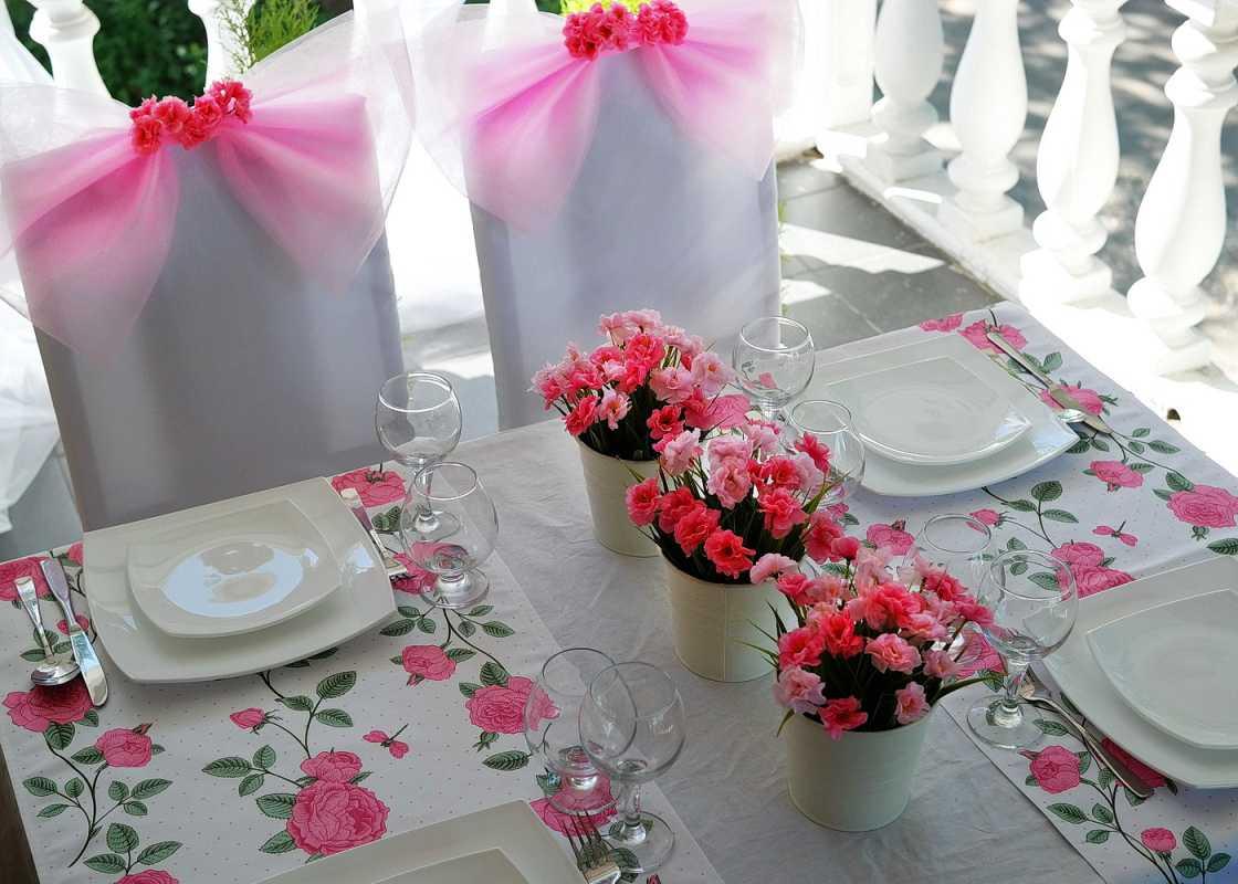 Как своими руками сделать украшения на свадебный стол