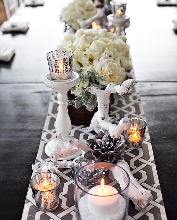 svadebnyj-stol-v-belom-tsvete-3 Сервировка свадебного стола в бело-серебряном цвете: сочетание изысканности и романтики