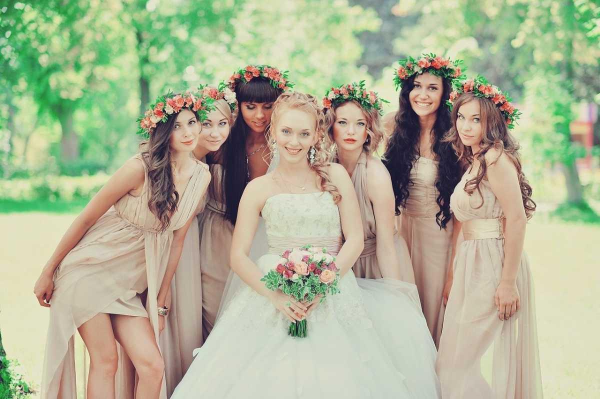venok-dlya-nevesty-na-svadbu-5 Венки на голову из цветов на свадьбу, нежный свадебный аксессуар для волос невесты
