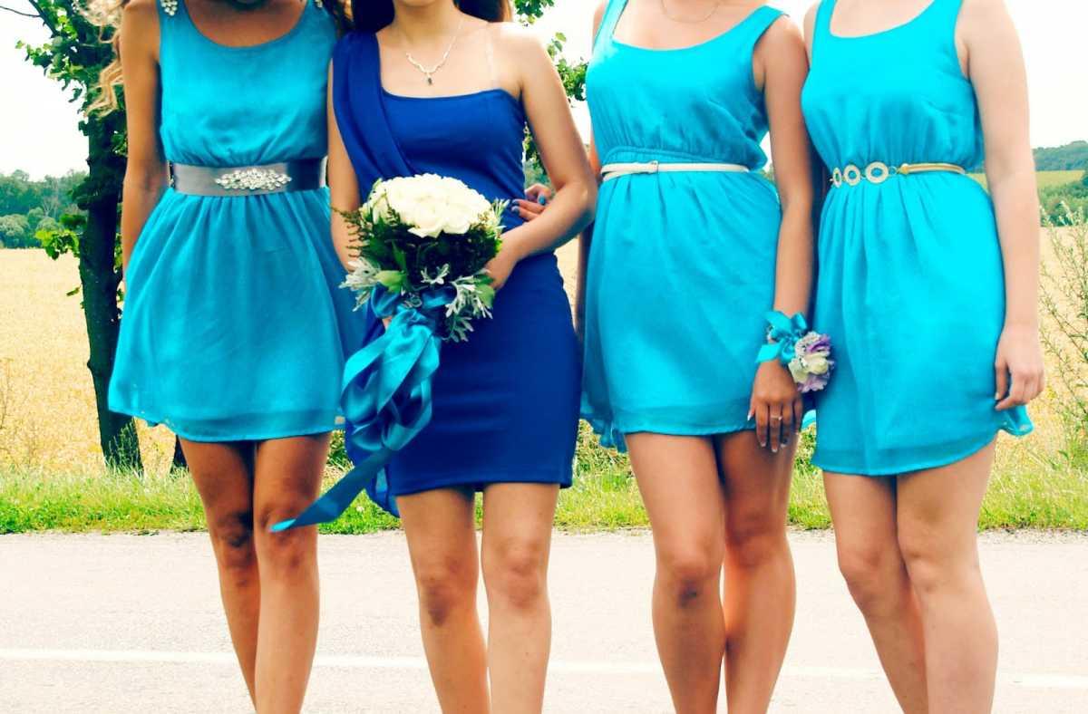 Платье на свадьбу в синем цвете