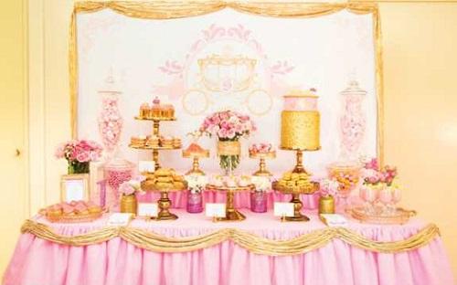 1-kendi-bar-dlya-printsessy-na-devichnik Розовой Кенди Бар для девичника, специально для тех невест, которые считают себя невестами