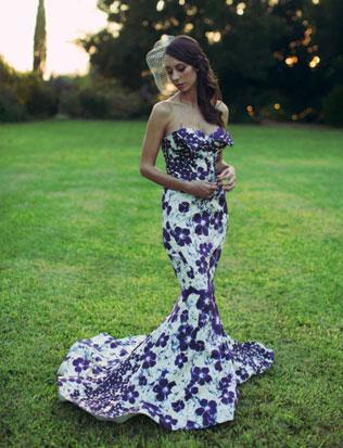 6svadebnie-platya-s-cvetochnym-printom Свадебные платья с цветочным принтом, очаровательный и модный тренд в свадебной моде