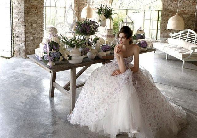 852-svadebnie-platya-s-cvetochnym-printom Свадебные платья с цветочным принтом, очаровательный и модный тренд в свадебной моде