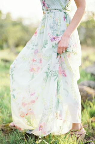 987svadebnie-platya-s-cvetochnym-printom Свадебные платья с цветочным принтом, очаровательный и модный тренд в свадебной моде