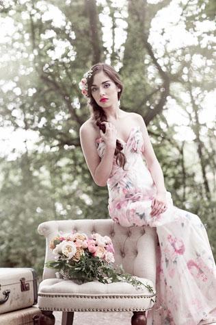 astri-svadebnie-platya-s-cvetochnym-printom Свадебные платья с цветочным принтом, очаровательный и модный тренд в свадебной моде