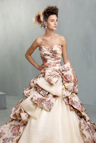 svadebnoe-plate-s-tsvetochnym-printom2.3 Свадебные платья с цветочным принтом, очаровательный и модный тренд в свадебной моде