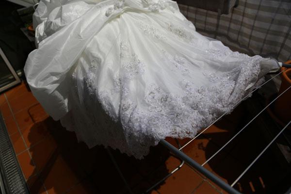 kak-otstirat-svadebnoe-plate-8 Что делать со свадебным платьем после свадьбы