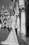 Inbal-Dror-98x150 Свадебные платья с иллюзией декольте
