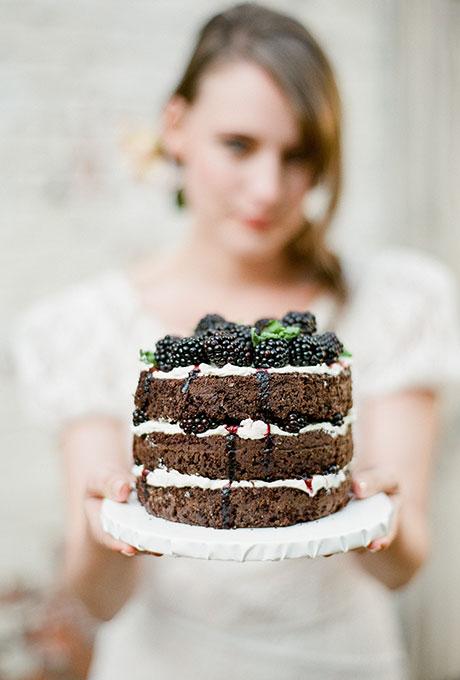 Темные свадебные торты